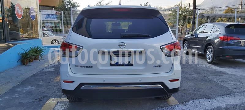 Nissan Pathfinder Exclusive usado (2014) color Blanco precio $230,000