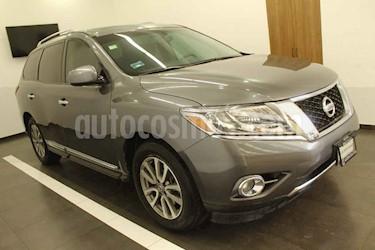 Nissan Pathfinder 5p Advance V6/3.5 Aut usado (2015) color Gris precio $269,000