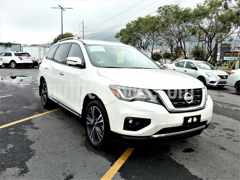 Nissan Pathfinder Exclusive usado (2018) color Blanco precio $614,411