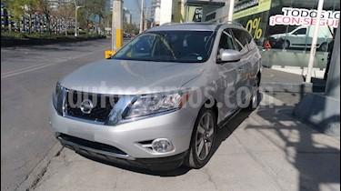 Nissan Pathfinder 5p Exclusive V6/3.5 Aut usado (2014) color Plata precio $275,000