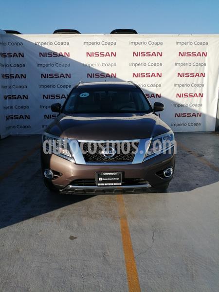 Nissan Pathfinder Exclusive usado (2016) color Cocoa Metalico precio $359,000