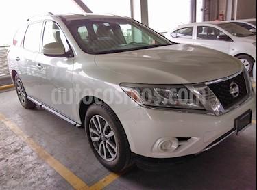 Foto venta Auto Seminuevo Nissan Pathfinder Sense (2015) color Blanco precio $247,000