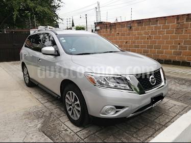 Nissan Pathfinder Sense usado (2016) color Plata precio $330,000