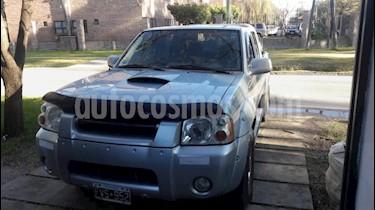 Foto Nissan Pick Up DC AX 4x4 2.7 D usado (2006) color Gris Claro precio $380.000