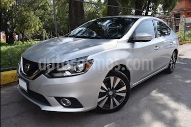 Nissan Sentra Exclusive NAVI Aut usado (2017) color Plata precio $260,000
