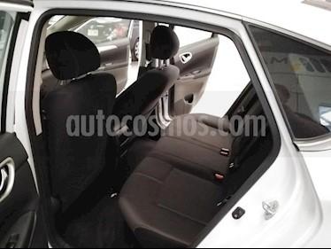 Nissan Sentra 4P SENSE L4/1.8 AUT usado (2016) color Blanco precio $185,000