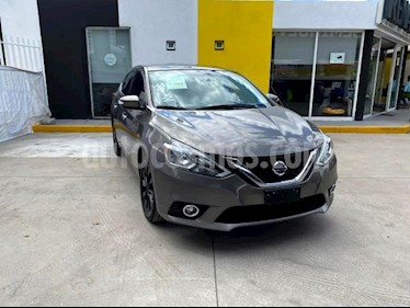 Foto Nissan Sentra 4p Advance L4/1.8 Man usado (2017) color Gris precio $195,000