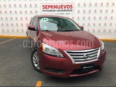 Nissan Sentra Sense usado (2016) color Rojo Burdeos precio $155,000