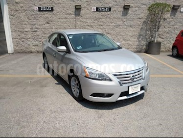 Nissan Sentra 4P ADVANCE AT A/AC. F. NIEBLA RA-16 usado (2016) color Plata precio $165,000