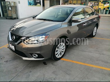 Foto Nissan Sentra Advance Aut usado (2018) color Gris Oxford precio $220,000