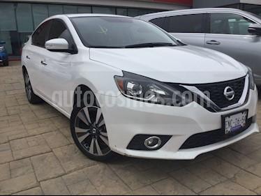 Nissan Sentra Exclusive NAVI Aut usado (2017) color Blanco precio $248,000