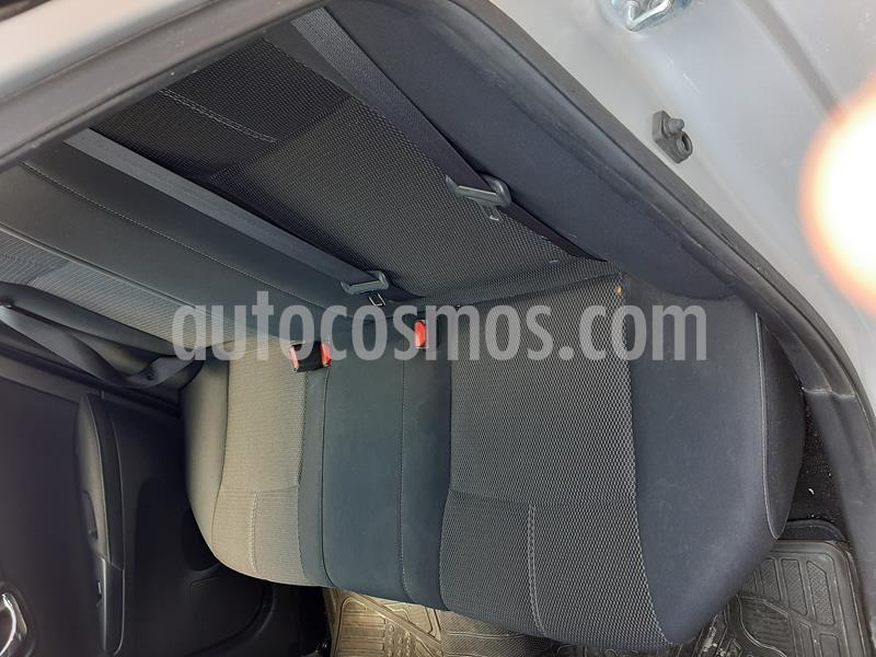 Nissan Sentra Sense usado (2017) color Plata precio $180,000