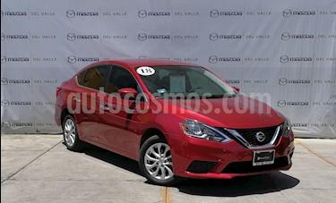 Foto Nissan Sentra Sense usado (2018) color Rojo Burdeos precio $207,000
