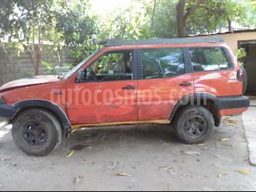 Nissan Terrano 4x4 usado (2002) color Naranja precio BoF1.400