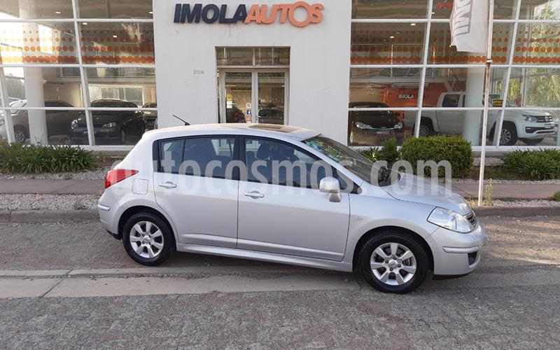Nissan Tiida Hatchback Acenta usado (2011) color Gris precio $630.000