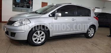 Nissan Tiida Hatchback Tekna usado (2010) color Gris Claro precio $420.000