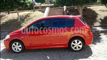 Nissan Tiida HB Emotion usado (2011) color Rojo precio $109,000