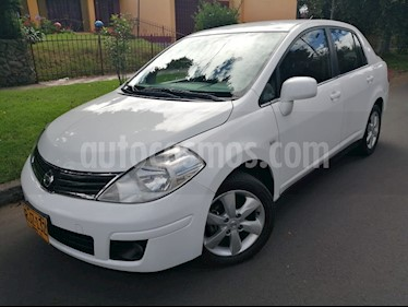 Foto venta Carro Usado Nissan Tiida Sedan 1.8L Premium (2012) color Blanco precio $23.900.000