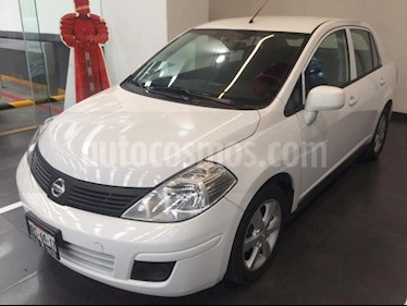 Nissan Tiida Sedan 4p Sedan Advance L4/1.8 Man usado (2017) color Blanco precio $170,000
