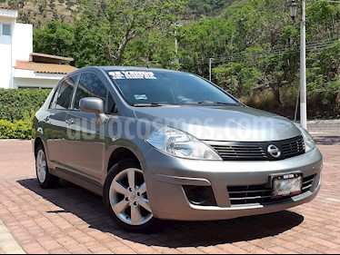 Nissan Tiida Sedan Advance usado (2016) color Gris Oxford precio $155,000