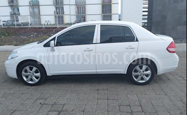 Nissan Tiida Sedan Advance usado (2015) color Blanco precio $120,000
