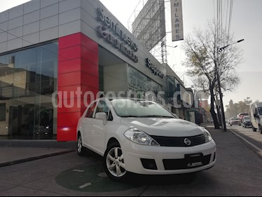 Foto venta Auto Seminuevo Nissan Tiida Sedan Advance (2015) color Blanco precio $155,000