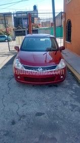 Nissan Tiida Sedan Custom usado (2011) color Rojo Burdeos precio $79,000