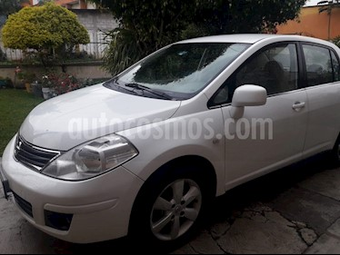 Nissan Tiida Sedan Emotion Aut usado (2011) color Blanco precio $99,000