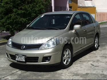 Nissan Tiida Sedan Emotion usado (2010) color Arena precio $92,000