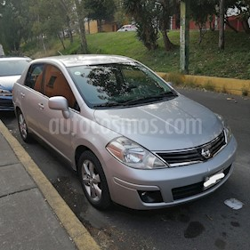 Nissan Tiida Sedan Emotion usado (2010) color Gris precio $93,000