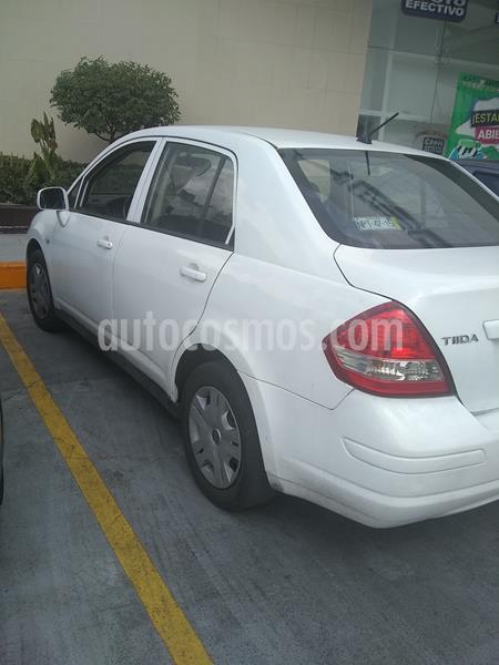 Nissan Tiida Sedan Comfort usado (2010) color Blanco precio $60,000
