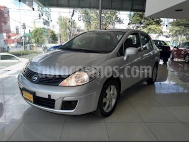 Nissan Tiida Sedan 4P SEDAN ADVANCE L4/1.8 AUT usado (2015) color Plata precio $115,000