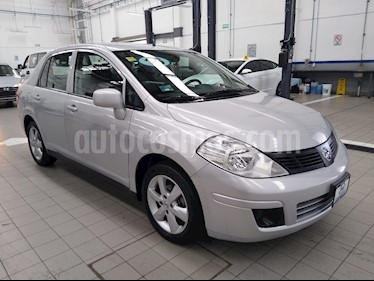 Nissan Tiida Sedan Advance usado (2016) color Plata precio $135,000