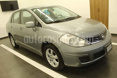 Nissan Tiida Sedan Emotion Aut usado (2011) color Gris precio $95,000