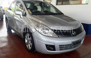 Nissan Tiida Sedan Advance usado (2015) color Plata precio $122,000