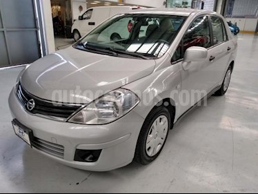 Nissan Tiida Sedan 4P CUSTOM AT A/AC. CD usado (2010) color Plata precio $100,000