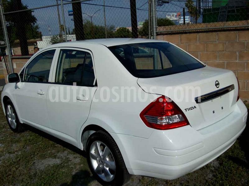 Nissan Tiida Sedan Advance usado (2016) color Blanco precio $126,000