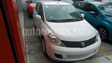 Nissan Tiida Sedan 4P SENSE AT A/AC. CD R-15 usado (2015) color Blanco precio $115,000