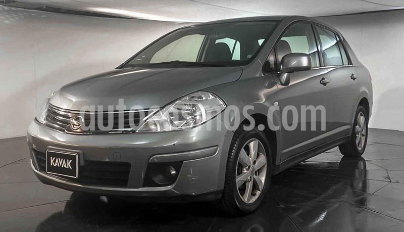 Nissan Tiida Sedan Version usado (2011) color Plata precio $99,999