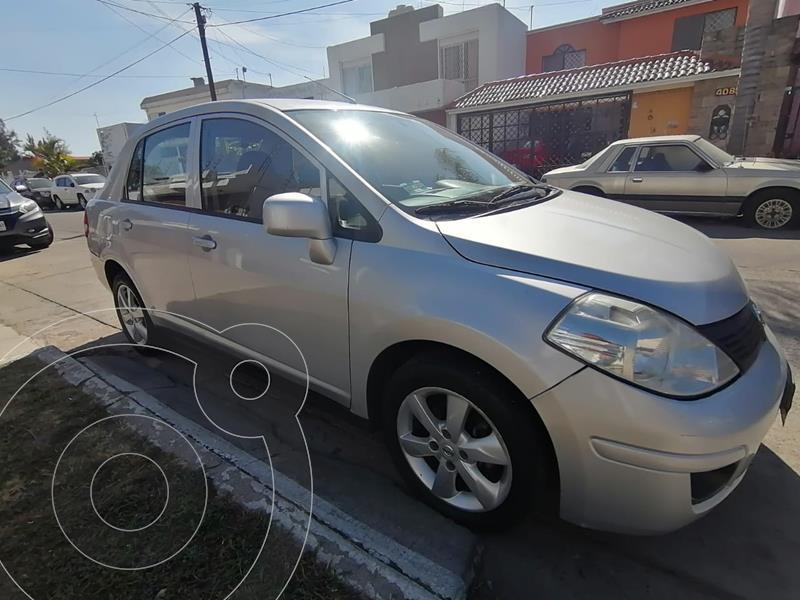 Nissan Tiida Sedan Advance Aut usado (2015) color Plata precio $115,000