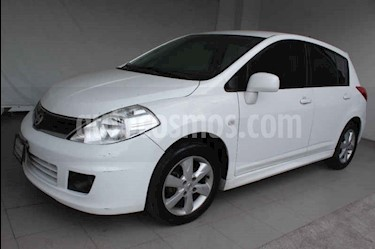 Nissan Tiida Sedan Emotion usado (2013) color Blanco precio $129,000