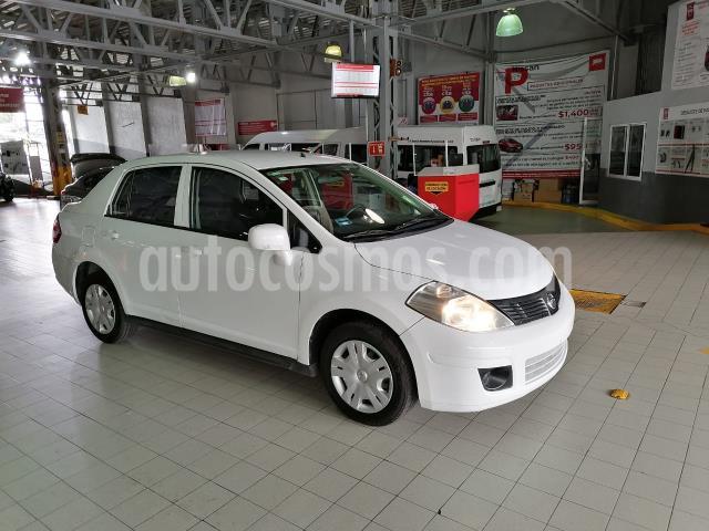 Nissan Tiida Sedan 4P SENSE TM6 A/AC. CD R-15 usado (2015) color Blanco precio $105,000