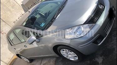 Foto Nissan Tiida Sedan Sense Aut usado (2015) color Plata precio $115,000