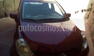 Nissan Tiida Sedan Sense usado (2013) color Rojo Burdeos precio $126,000