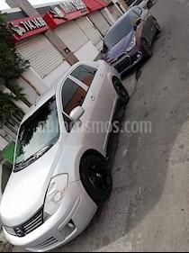 Nissan Tiida Sedan Sense usado (2015) color Plata precio $105,000
