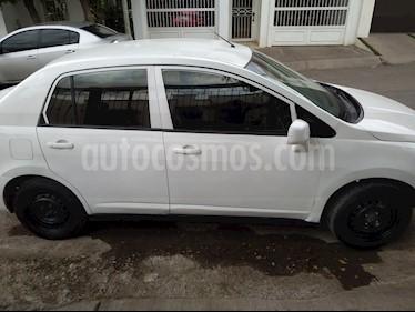 Nissan Tiida Sedan Sense usado (2014) color Blanco precio $75,000