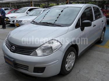 Foto venta Carro usado Nissan Tiida 1.8L Emotion (2012) color Plata precio $21.900.000