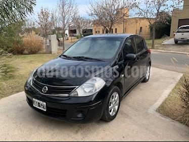 Nissan Tiida Visia usado (2011) color Negro precio $440.000