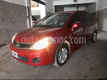 foto Nissan Tiida Visia usado (2011) color Rojo precio $215.000