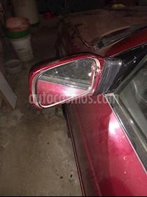 Foto Nissan V-16 Super Saloon 1.6 usado (1995) color Rojo precio $2.000.000